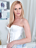 Anilos.com - Freshest mature women on the net featuring Anilos Lili Peterson milf porn